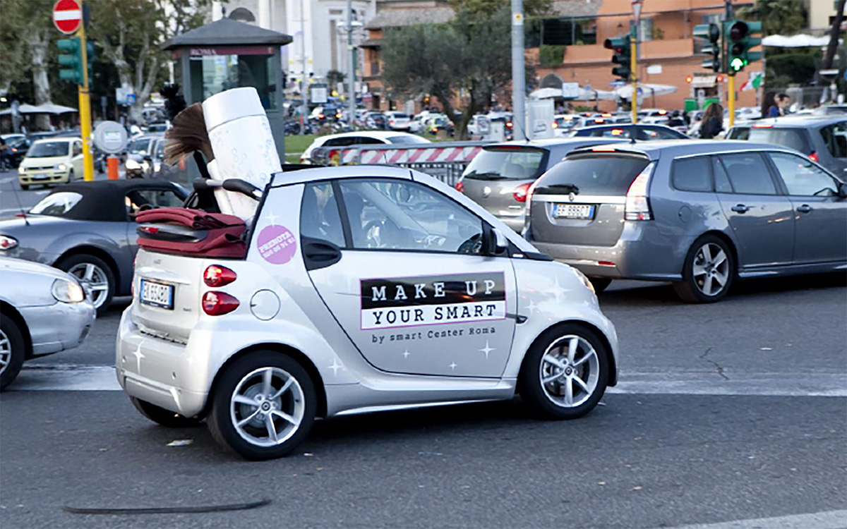 TANDEM_Communication_Partner_EVENTI_e_TEMPORARY_Mercedesbenz_Smart_makeup_mockup_cabrio
