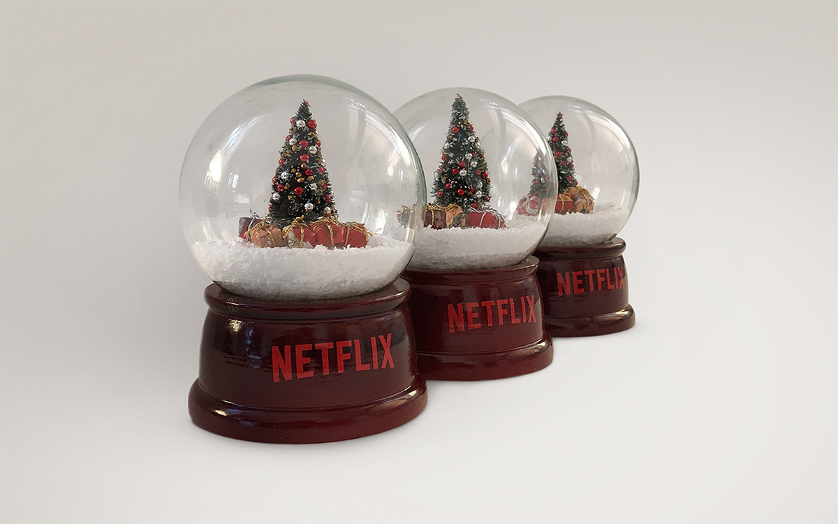 TANDEM_Communication_Partner_GADGET_e_MOCKUP_netflix_spelacchio_christmas_tree_gadget_gift_influencer_roma
