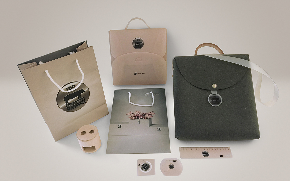 TANDEM_Communication_Partner_GADGET_e_MOCKUP_pfizer_pigs_animal_convention_gadget_bags