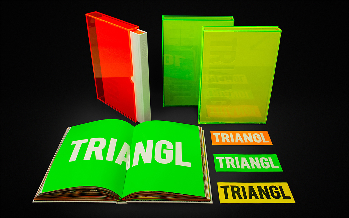 TANDEM_Communication_Partner_PROGETTI_SPECIALI_triangl_book_plexiglass_fluo_bikini_stickers